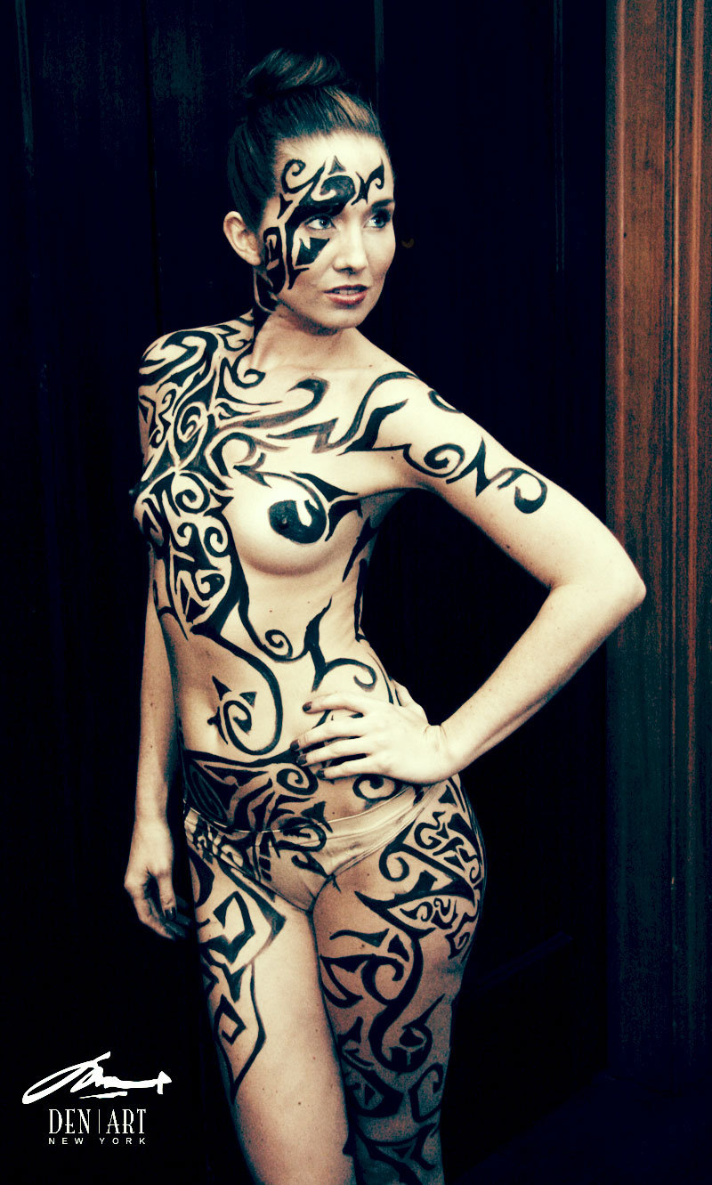 naked women bodypaint tribal