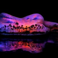 Bodyscapes: Black light body painting that beautifully glows in the dark