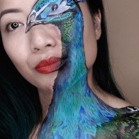 Makeup Artist Transformed Herself Into A Peacock And You Can't Even Contour